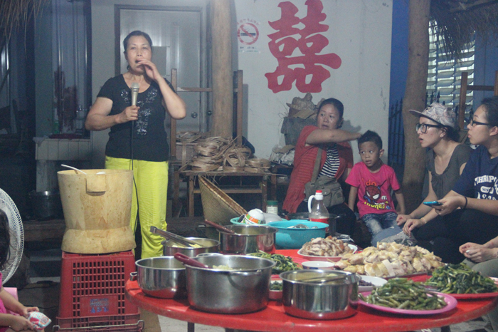 In the 2014 annual field trip, the staff and students of the department visited Doulan in Taitung, Taiwan. This photo was taken in a farewell party for the students with the host explaining about the traditional food and culinary practices of the Amis, an indigenous people of Taiwan