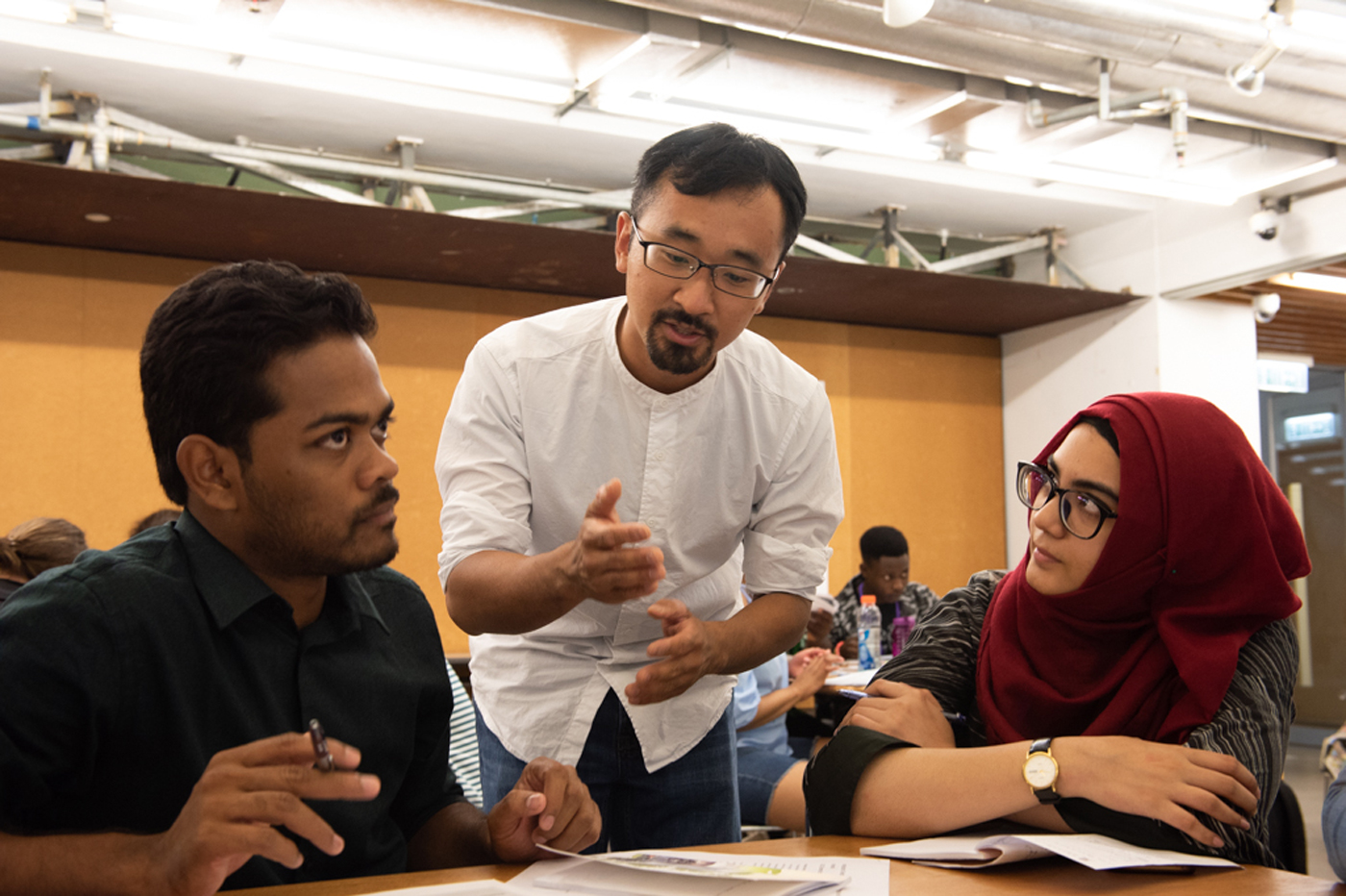Guest lecturer Mr. Howard Tam explains the concept of design thinking to the students of the Association of Commonwealth Universities (ACU) Summer School