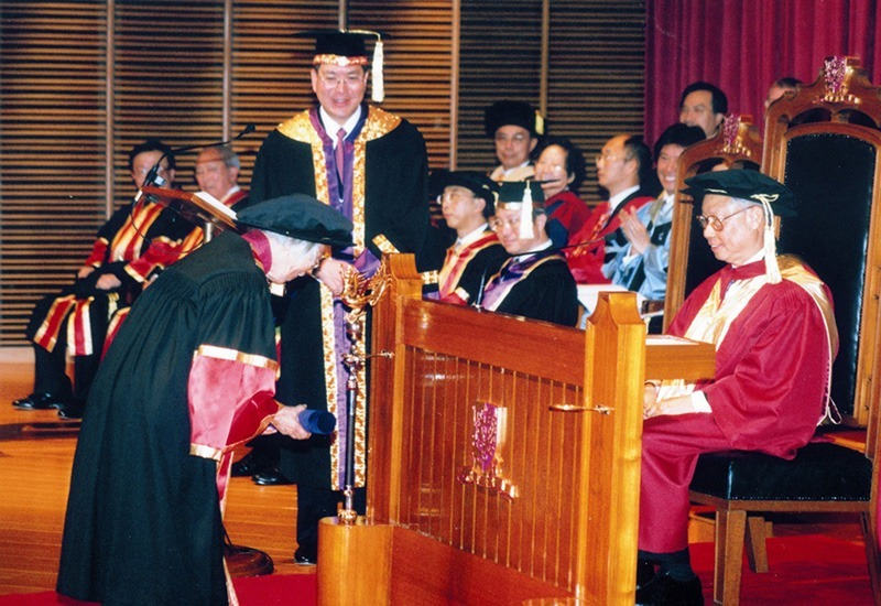 First conferment of honorary fellowships