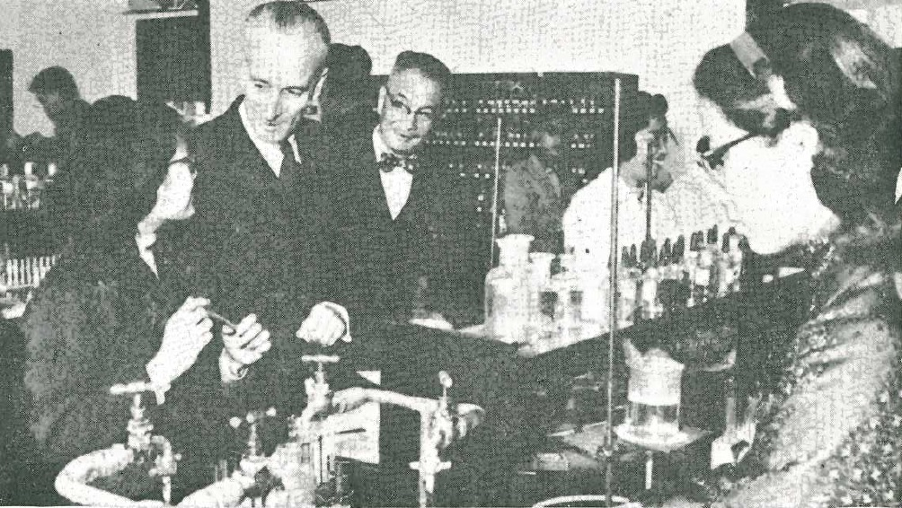 Leonard Geoffrey Morgan visiting Chung Chi College (1959)