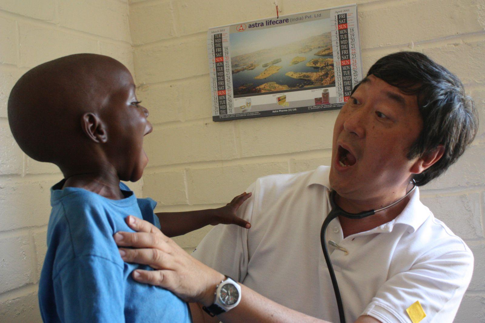 S.H. Ho College Social Service Trip to Uganda (2011)
